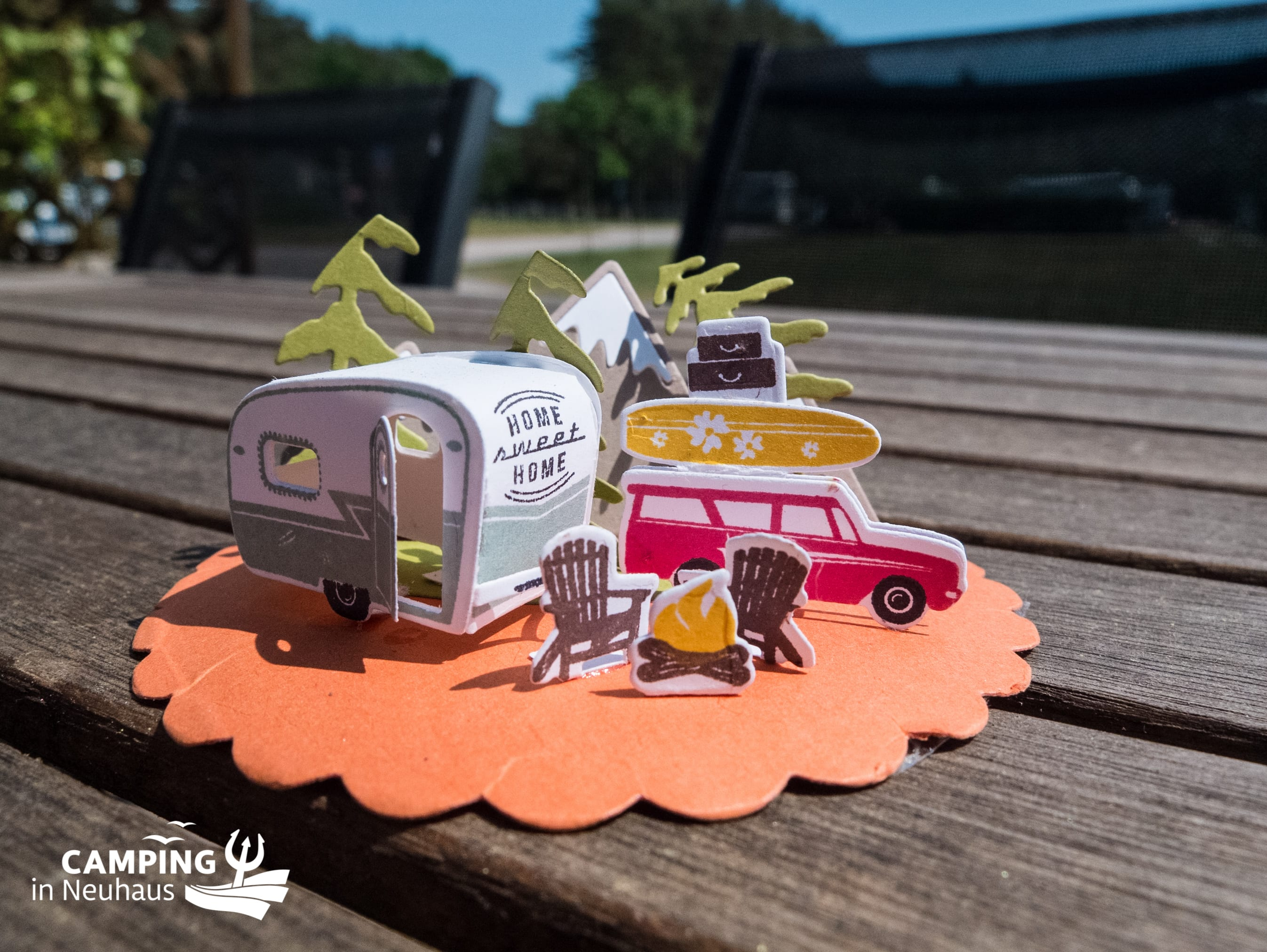 Sommerliches Camping-Diorama